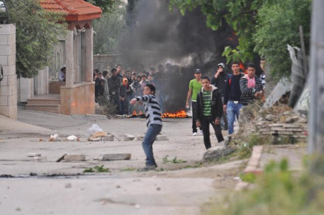 Rock-Hurling Riot in El-Arrub