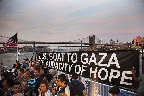 "The US boat ""The Audacity of Hope"""