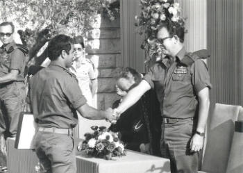 Avigdor Kahalani receives the Medal of Valor