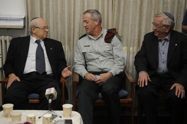 IDF Chief of the General staff Lt. Gen. Benny Gantz visits holocaust survivors